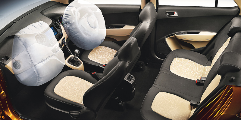 Hàng ghế trước và sau - Nội thất Hyundai I10