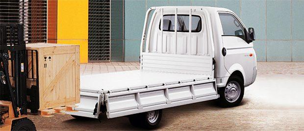 Xe tải Huyndai H100 đem đến tất cả những gì bạn cần ở một chiếc xe tải nhẹ.