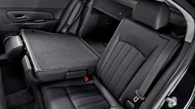 Khám phá ngay thiết kế nội thất sang trọng và tinh tế của Chevrolet Cruze