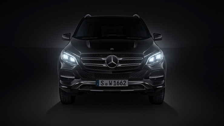 Mercedes GLE SUV photo 1