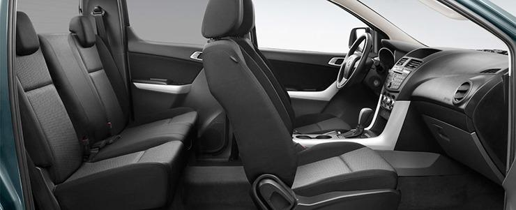 Mazda BT-50 nội thất 4