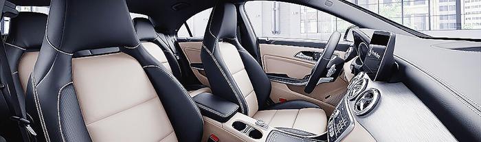 Mercedes CLA nội thất đen và vàng silk