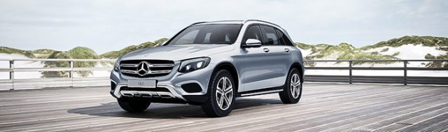 Mercedes GLC 250 4MATIC màu bạc diamond