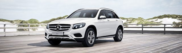 Mercedes GLC 250 4MATIC màu trắng