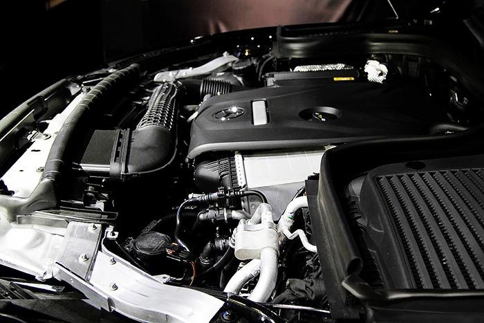 Động cơ Mercedes GLC 300 4MATIC