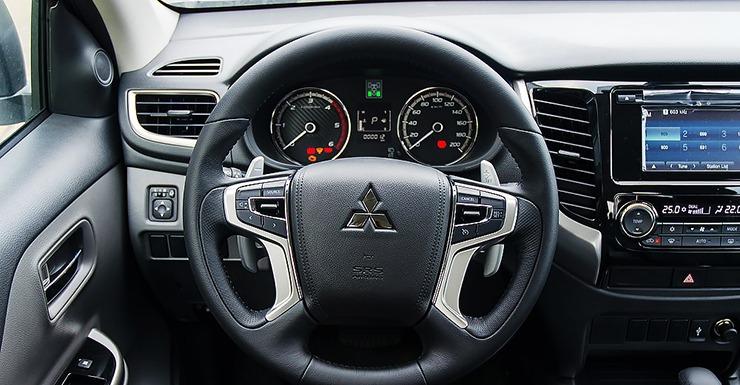 Vô lăng xe Mitsubishi Triton