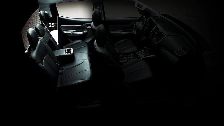 Độ nghiêng ghế sau xe Mitsubishi Triton