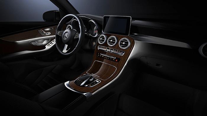 Tablo và đèn nội thất Mercedes GLC 250 4MATIC
