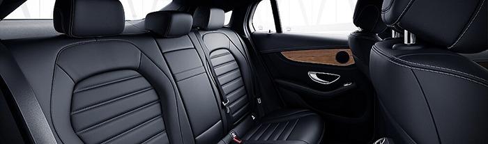 Nội thất Mercedes GLC 300 màu đen