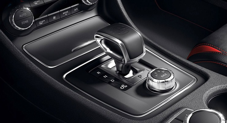Mercedes AMG A 45 4MATIC động cơ