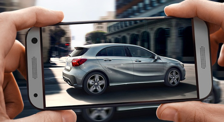 Mercedes A250 with phone