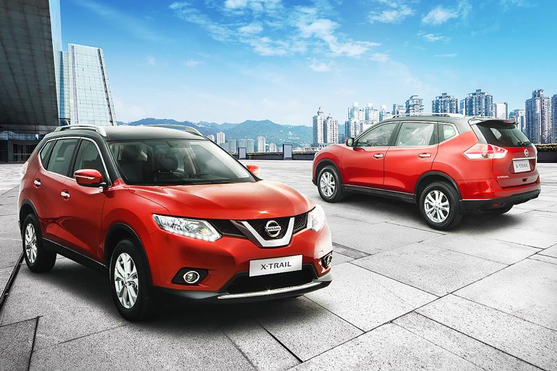 Nissan X-Trail đỏ
