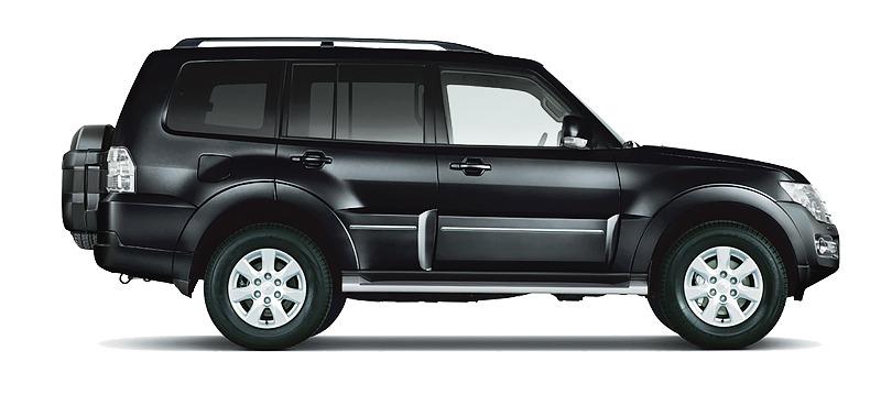 Mitsubishi Pajero màu đen