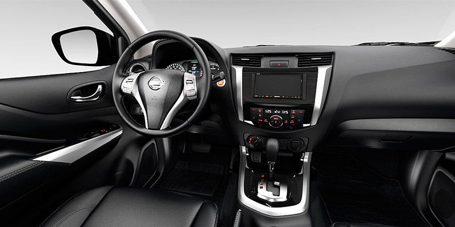 Khoang nội thất Nissan Navara