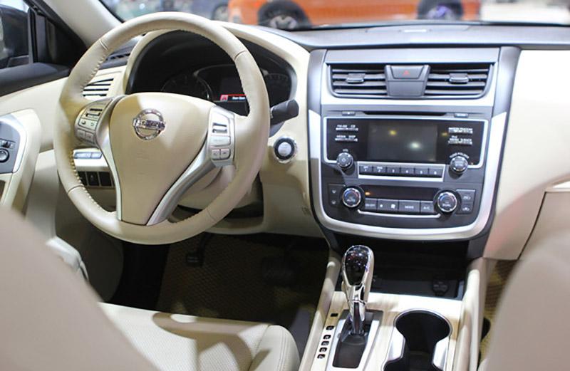Nissan Teana tiện ích