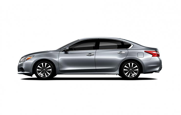 Nissan Teana màu bạch kim