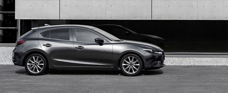 Mazda 3 thân xe hatchback