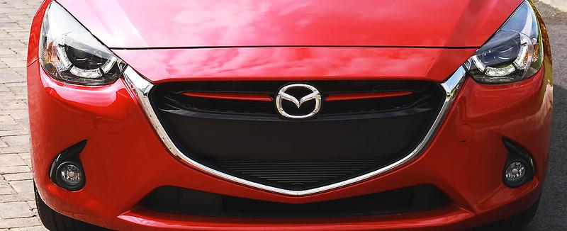 Đầu xe Mazda 2