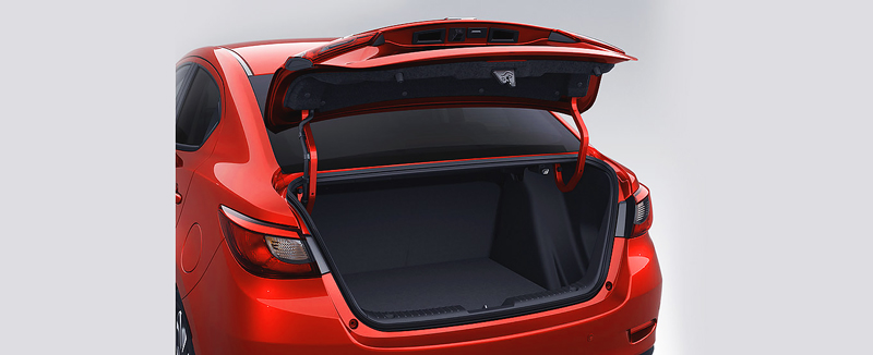 Khoang hành lý Mazda 2