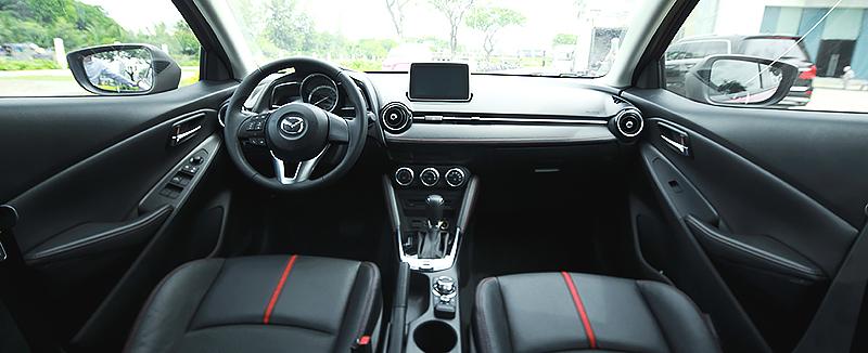 Nội thất Mazda
