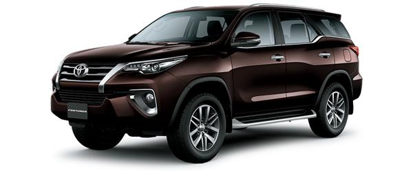 Toyota Fortuner màu xám