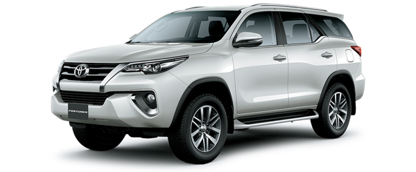 Toyota Fortuner màu trắng