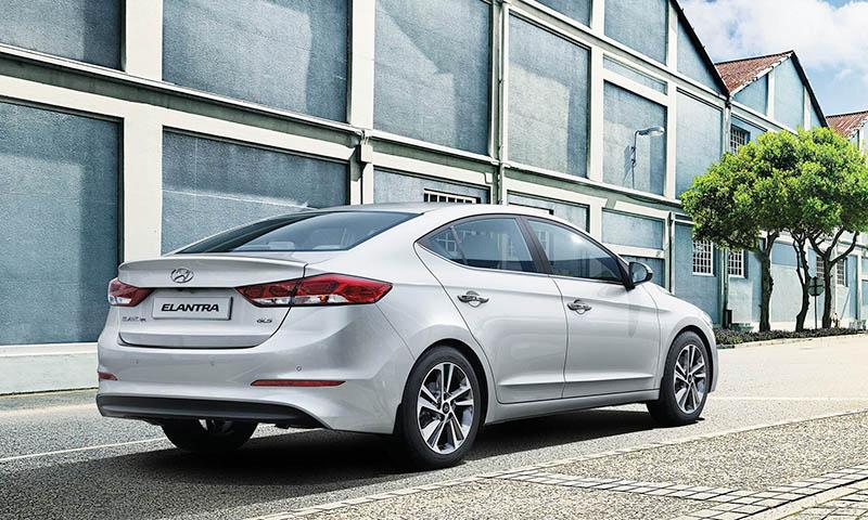 Hyundai Elantra gallery 3