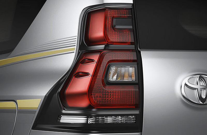 Cụm đèn hậu LED Toyota Land Cruiser 2018