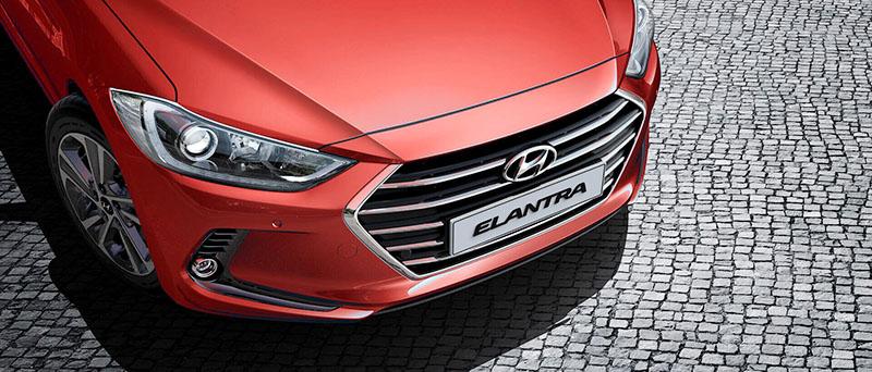 Hyundai Elantra dau xe