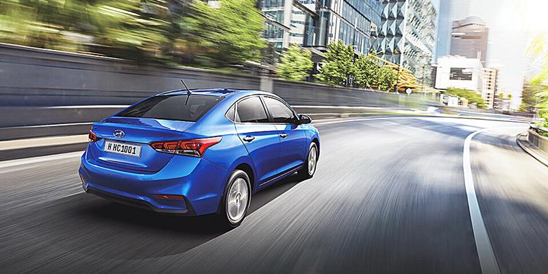 Vận hành Hyundai Accent