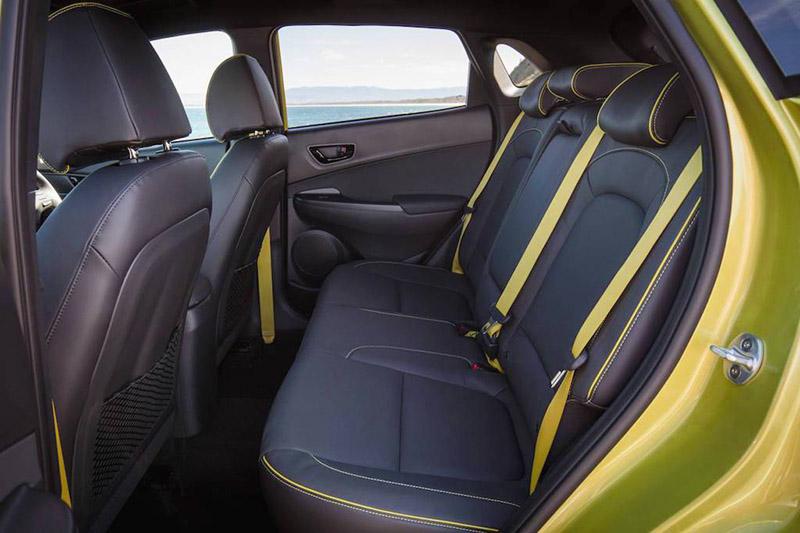 Ghế ngồi Hyundai Kona điều chỉnh điện 8 cách và hỗ trợ lưng 2 cách cùng với hệ thống thông gió 3 bước