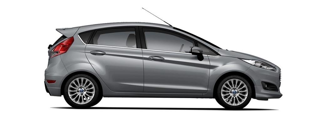 Ford Fiesta ghi ánh thép
