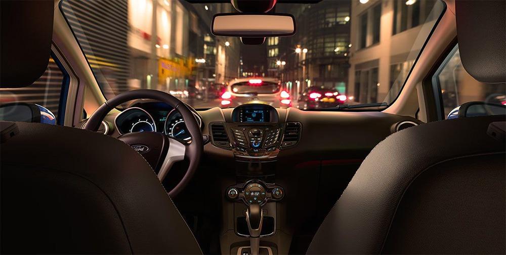Khoang nội thất Ford Fiesta thể thao, sang trọng