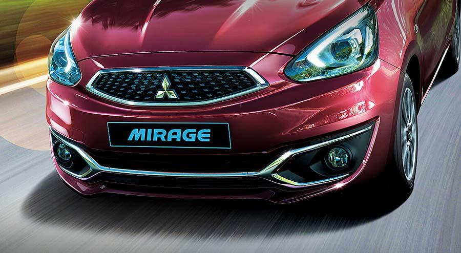 Phần cản trước của xe Mitsubishi Mirage được tăng cường các chi tiết viền crôm tinh tế và sang trọng
