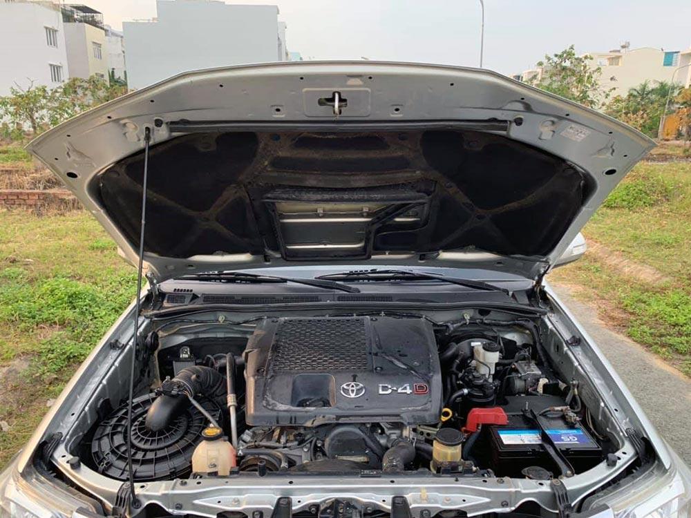 Toyota Fortuner cũ - Dộng cơ