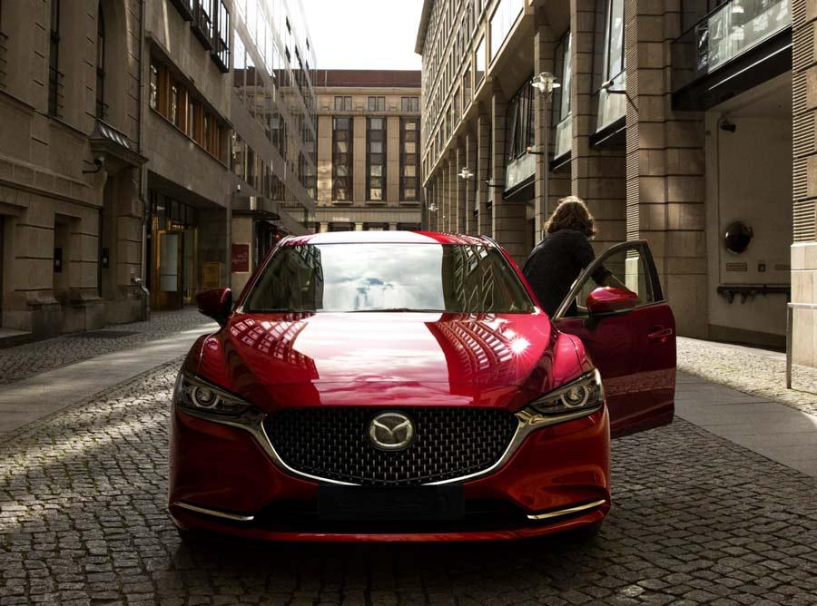 New Mazda 6: Phong cách và Lịch lãm