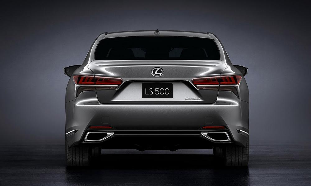 Lexus LS 500 đuôi xe