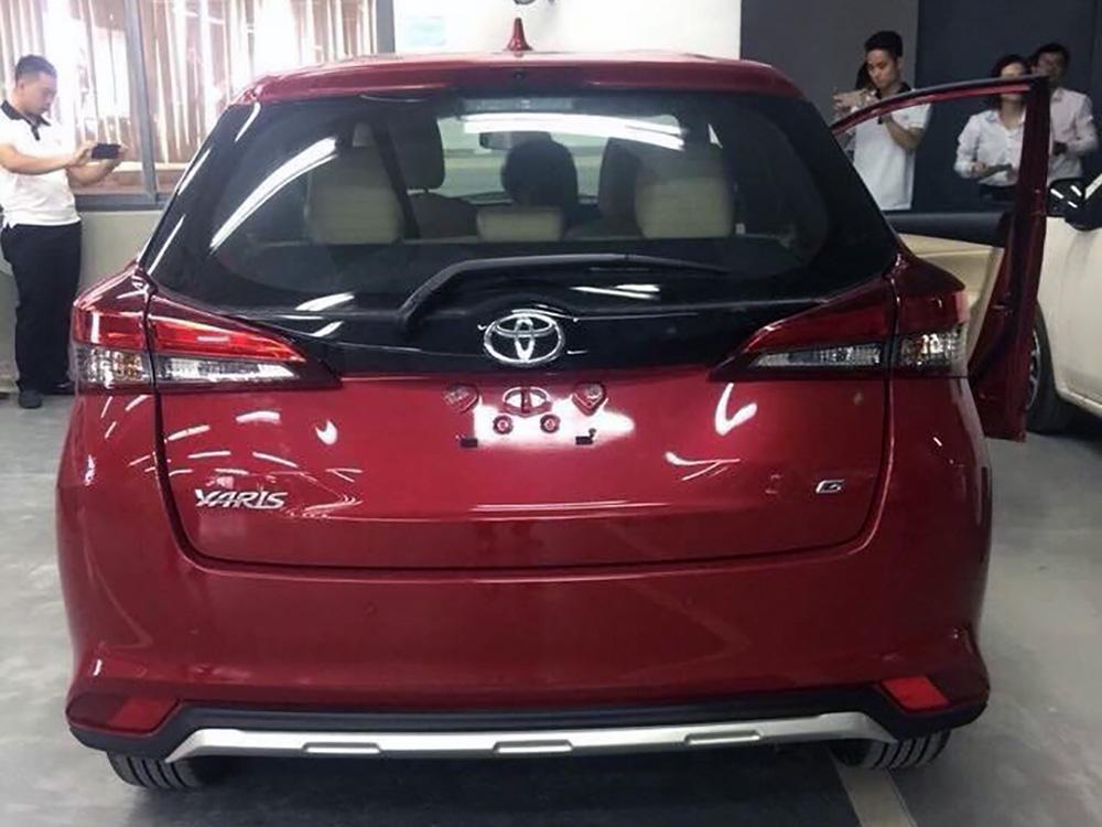 Phần đuôi xe Toyota Yaris