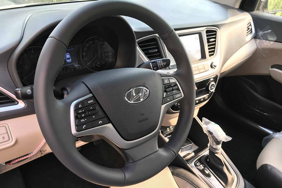 Hyundai-Accent-cửa-gió-điều-hòa-hàng-ghế-sau