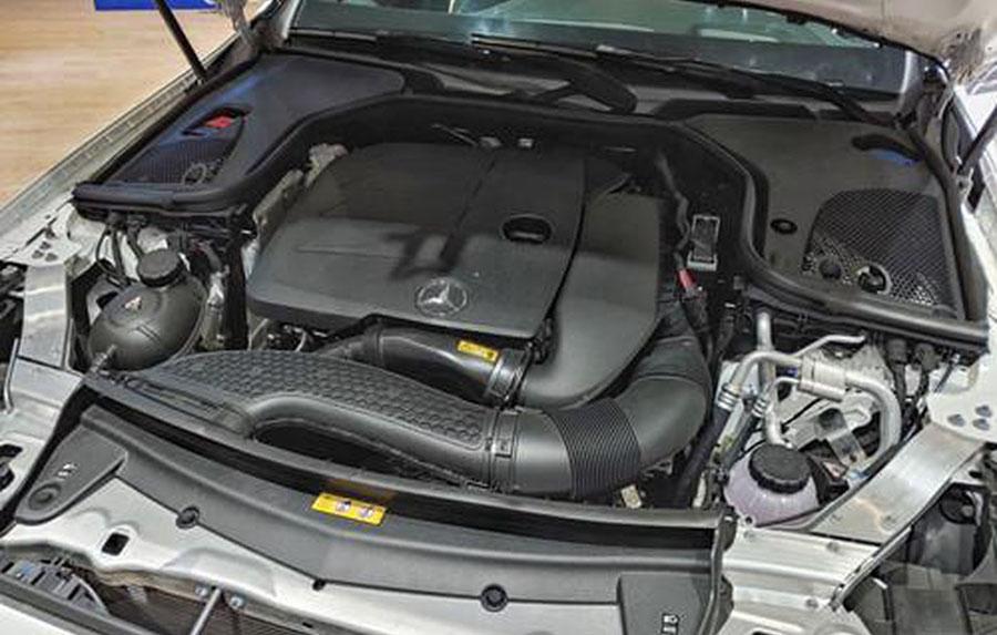 Động cơ Mercedes E200 Sport 197 mã lực