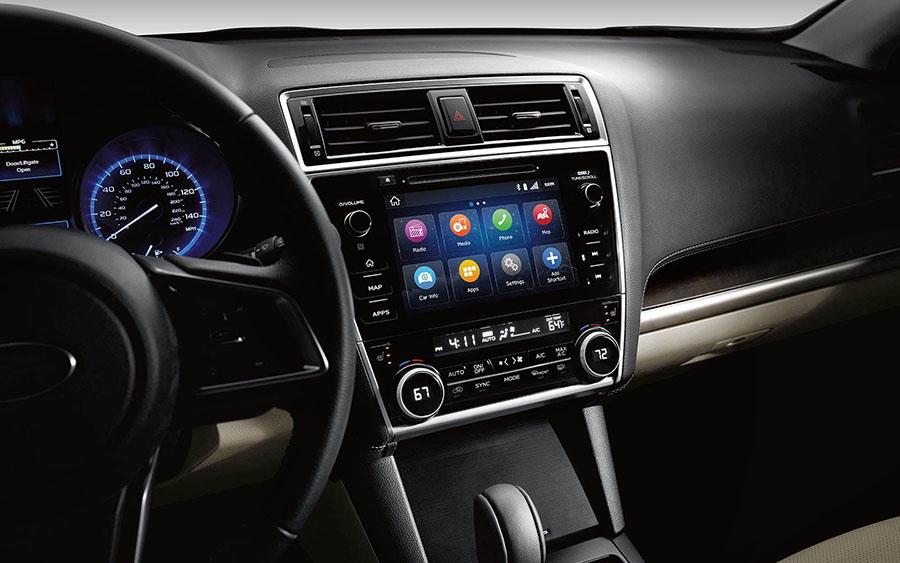 Tiện nghi khá đầy đủ với Apple Carplay và Android Auto