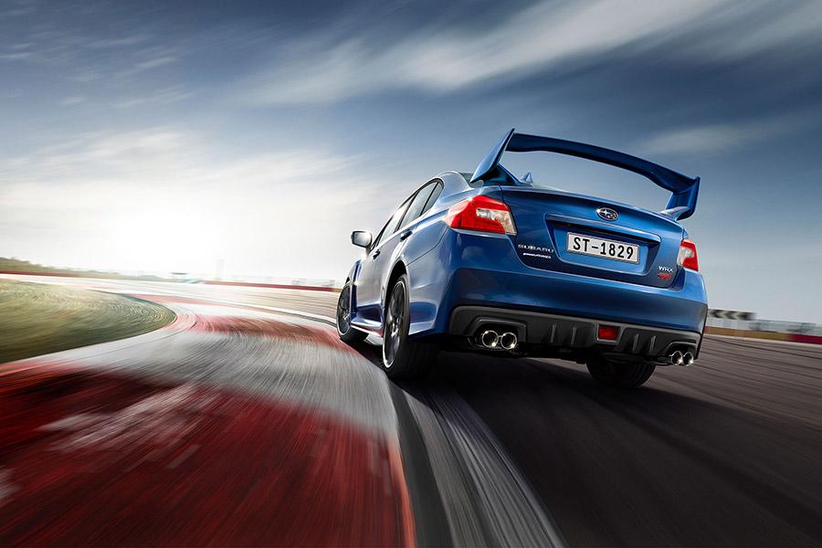 Đuôi xe Subaru WRX STI nổi bật với cánh lướt gió