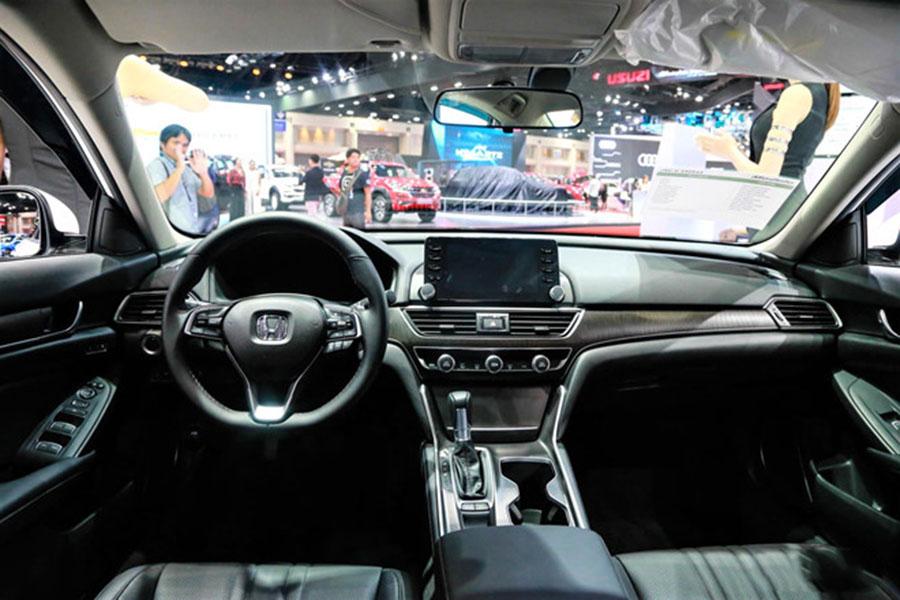 Nội thất sedan hạng D của Honda thế hệ mới