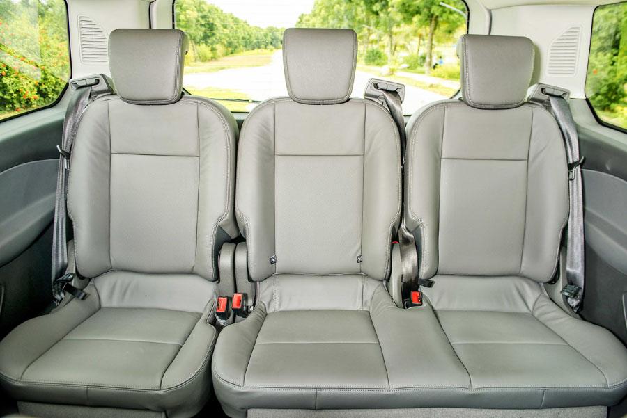 Hàng ghế thứ 3 của Ford Tourneo
