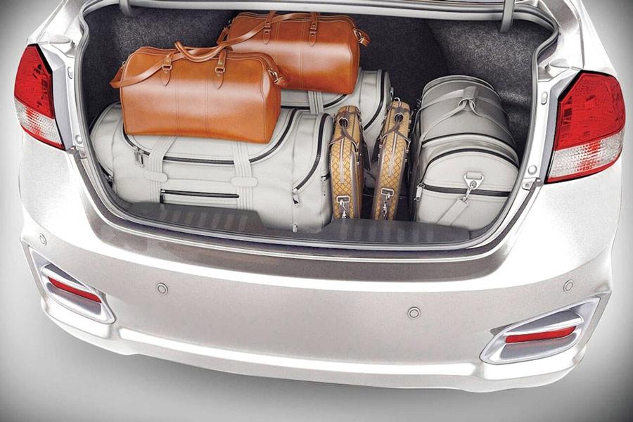 Cốp xe (khoang hành lý) có sức chứa lớn: 495 lít.