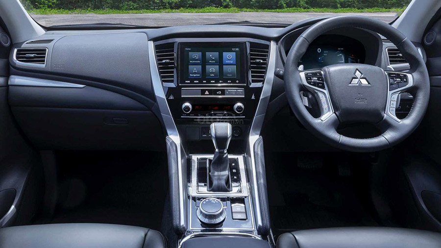 bảng điều khiển trung tâm - Mitsubishi Pajero Sport 2020