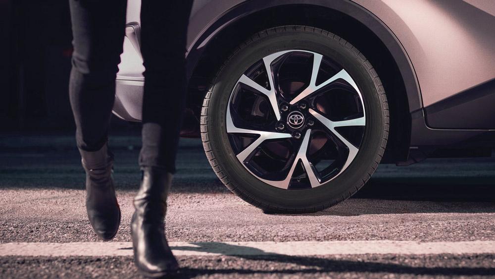 Ngoại thất xe Toyota C-HR 2019
