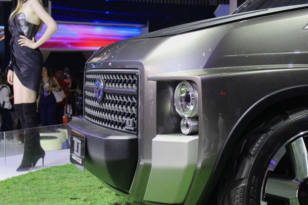 Đèn pha thiết kế đẹp mắt sử dụng công nghệ LED của Toyota TJ Cruiser