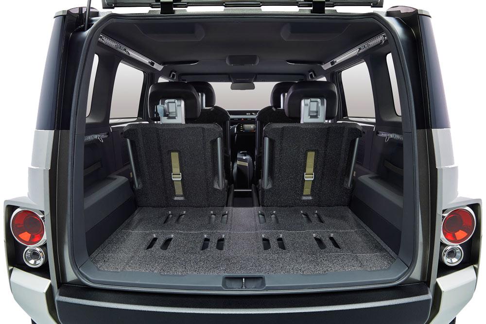 Khoan cabin xe được thiết kế đơn giản nhưng vẫn hiển thị rõ những chức năng riêng biệt.