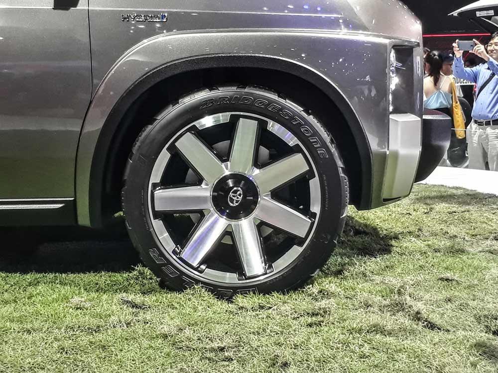 Mâm xe kim loại bắt mắt của Toyota TJ Cruiser
